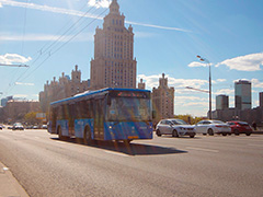 Автобусы Мосгортранса отвезут на выпускной 1400 школьников