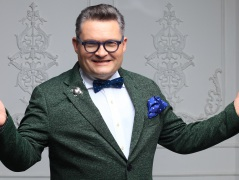 Историк моды Александр Васильев идет с молотка