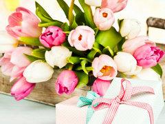 Поздравляем с наступающим Днём 8 марта. Нужен подарок – выбирайте!