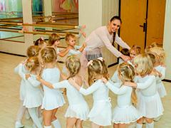 """Центр культуры """"Хорошевский"""" приглашает на занятия музыкой, спортом и творчеством"""