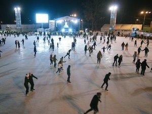 покататься на коньках Москва